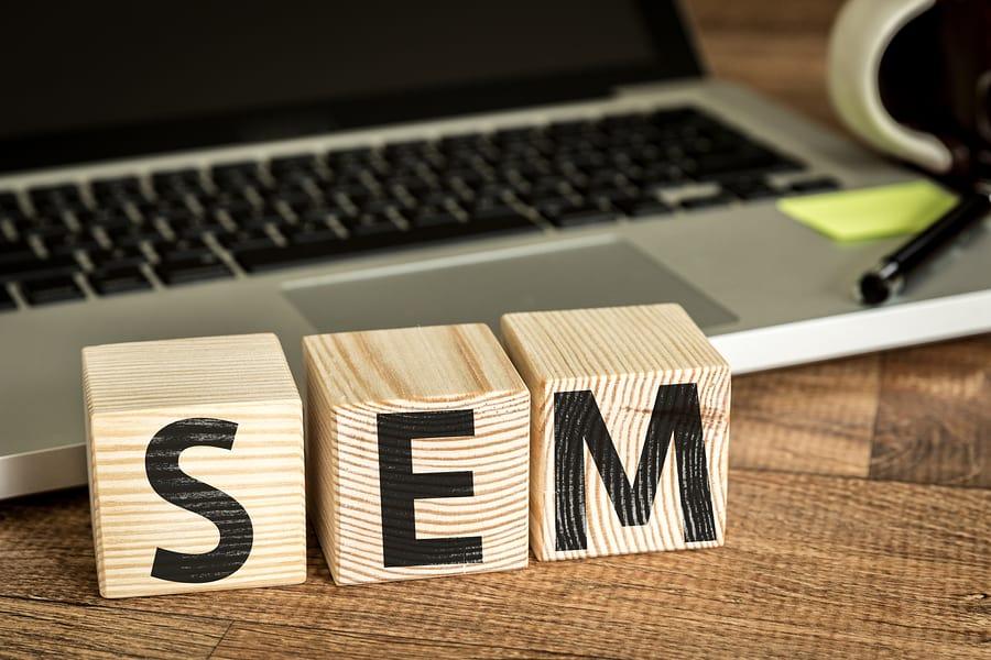Come trovare nuovi pazienti sul web per cliniche, studi  medici, ambulatori e dentisti imparando il Search Engine Marketing (SEM) e Google AdWords.